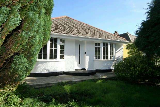 3 Bedrooms Detached House for sale in Sandy Lane, REDRUTH
