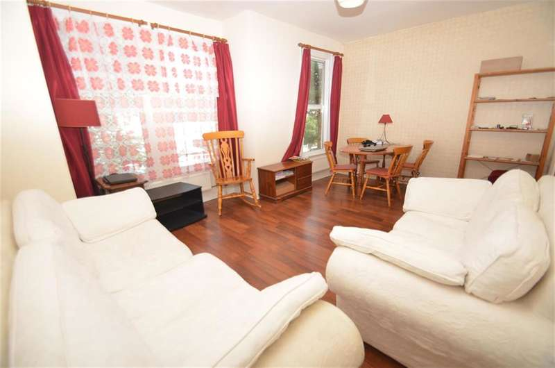 2 Bedrooms Flat for sale in Westfield Road, London, W13 9JP