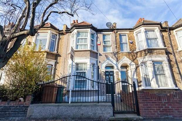 3 Bedrooms Terraced House for sale in Windsor Road, London