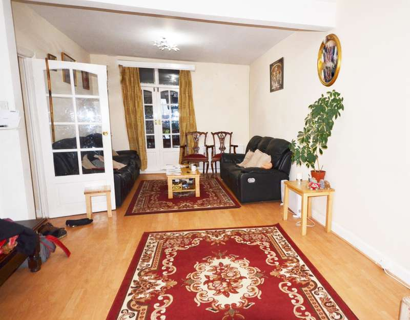 4 Bedrooms Terraced House for sale in Bridgewater Road , Wembley, Middlesex, HA0 1AQ