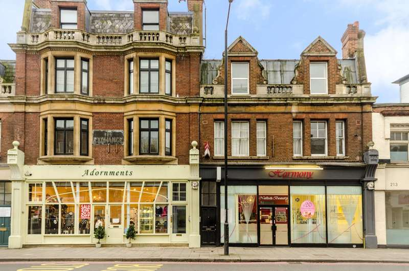 1 Bedroom Flat for sale in Upper Richmond Road, Putney, SW15