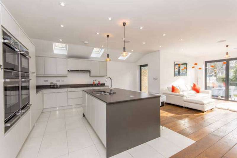 5 Bedrooms Terraced House for sale in Furness Road, London, London, NW10