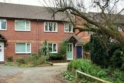 3 Bedrooms Semi Detached House for sale in Meadowbrook Close, Exeter, EX4