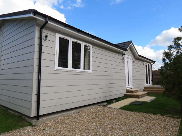 2 Bedrooms Park Home Mobile Home for sale in HAILSHAM, East Sussex, BN27