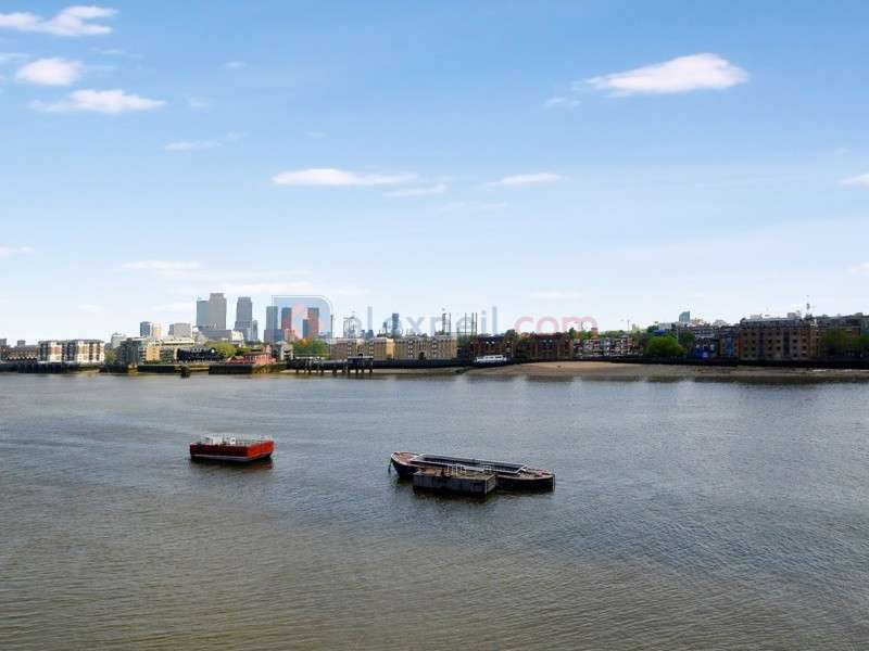 3 Bedrooms Flat for sale in Wapping High Street, Wapping E1W