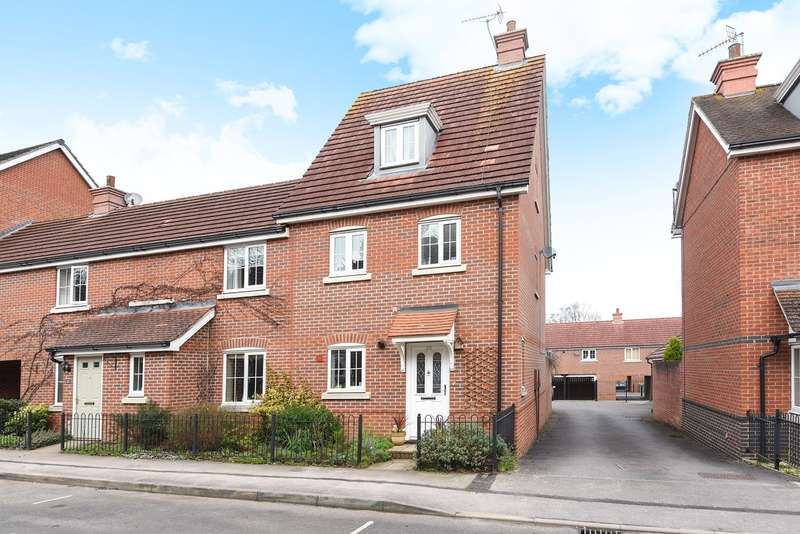 3 Bedrooms Town House for sale in Elvetham Rise, Chineham, Basingstoke, RG24