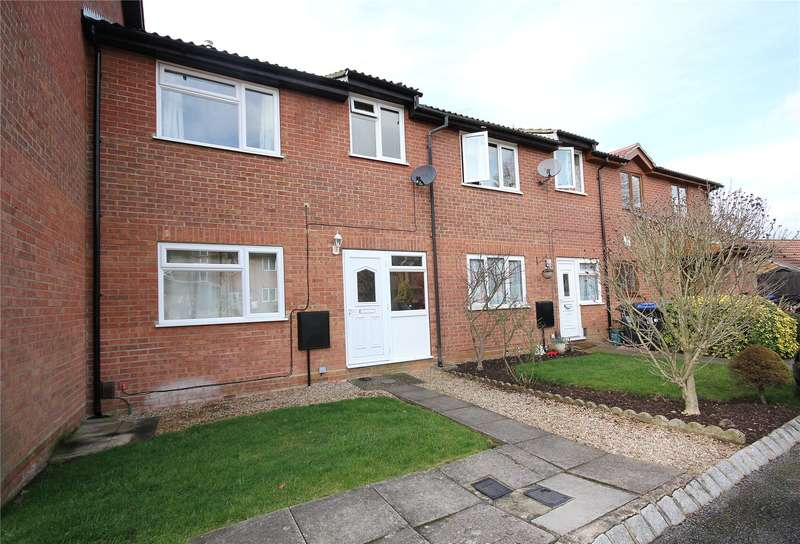 2 Bedrooms Terraced House for sale in Newsham Road, Woking, Surrey, GU21