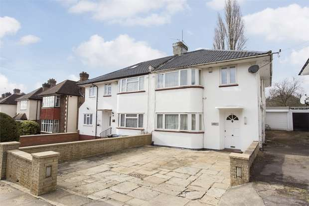 3 Bedrooms Flat for sale in Arnos Grove, Southgate, N14