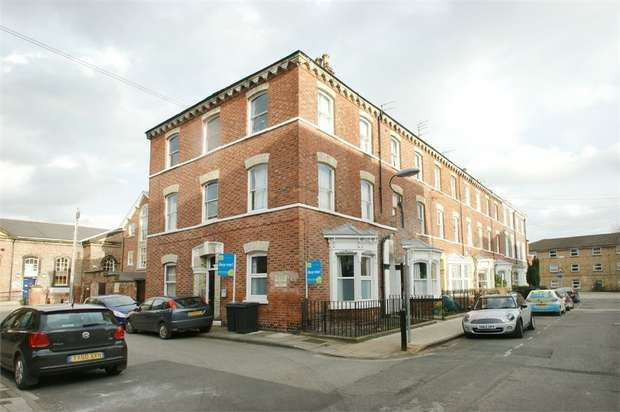 1 Bedroom Studio Flat for sale in Priory Street