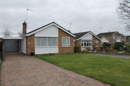3 Bedrooms Bungalow for sale in Clopton Road, Stratford-Upon-Avon
