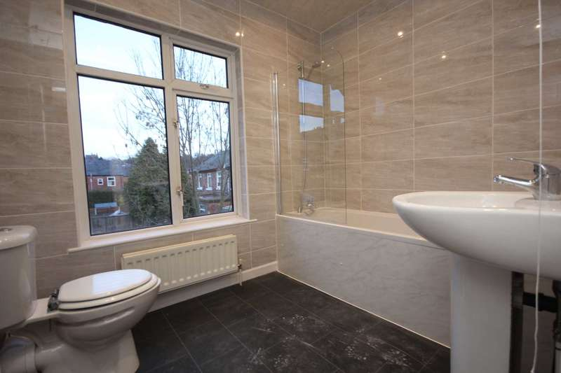 2 Bedrooms End Of Terrace House for sale in Railway Street, Dukinfield