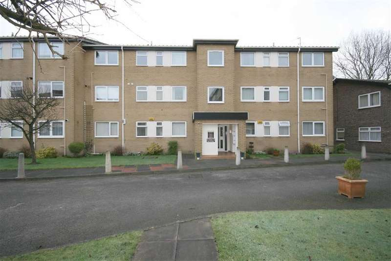 2 Bedrooms Property for sale in Clairville, Gloucester Road, Southport