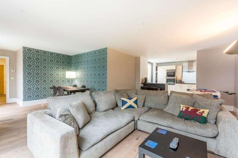 2 Bedrooms Flat for sale in Highbury Stadium Square, Islington, N5