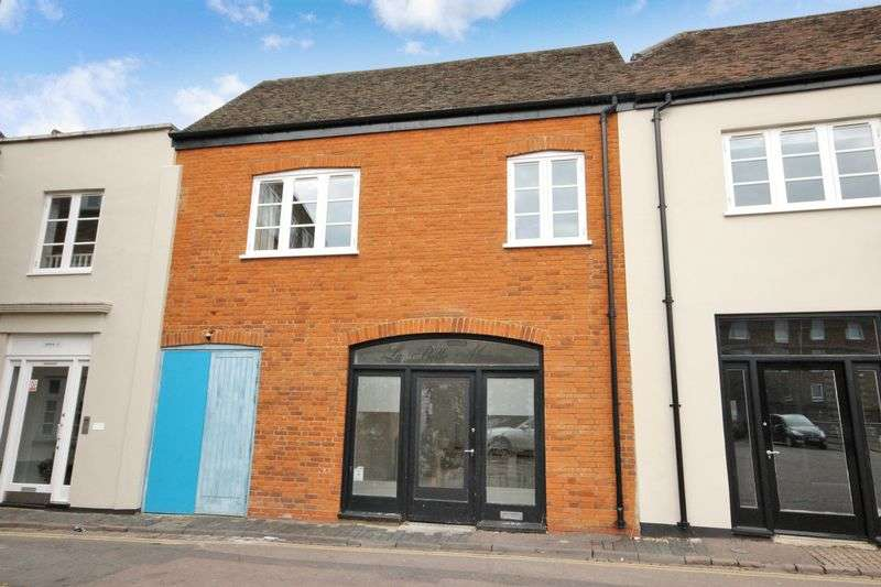 Terraced House for sale in Castle Lane, Town Centre, Bedford