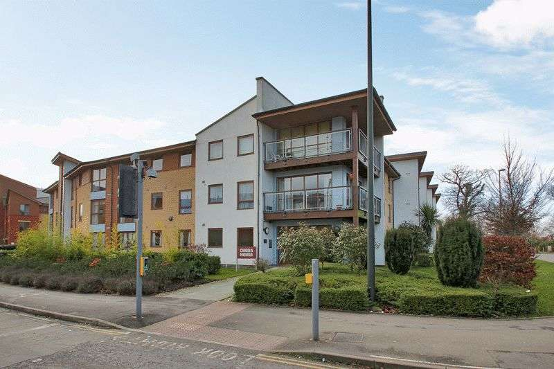 2 Bedrooms Retirement Property for sale in Commonwealth Drive, Three Bridges, Crawley, West Sussex