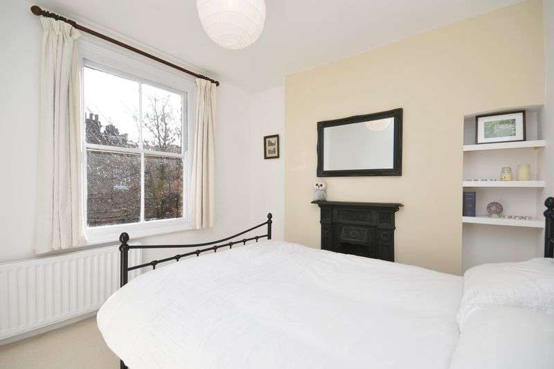 2 Bedrooms Flat for sale in Cavendish Road, London