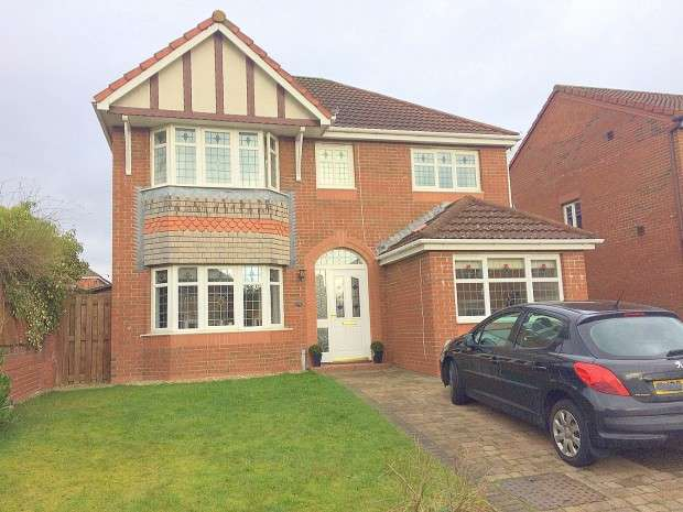 4 Bedrooms Detached House for sale in Dover Park, Dunfermline, KY11