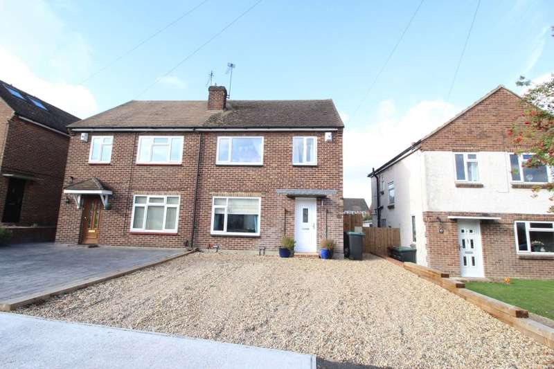 3 Bedrooms Semi Detached House for sale in Vicarage Lane, Gravesend, DA12