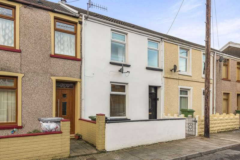 3 Bedrooms Terraced House for sale in Sunnybank Street, ABERDARE