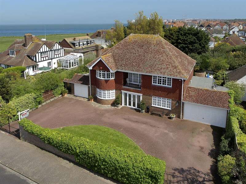 4 Bedrooms Detached House for sale in Barnes Avenue, Westbrook, Margate