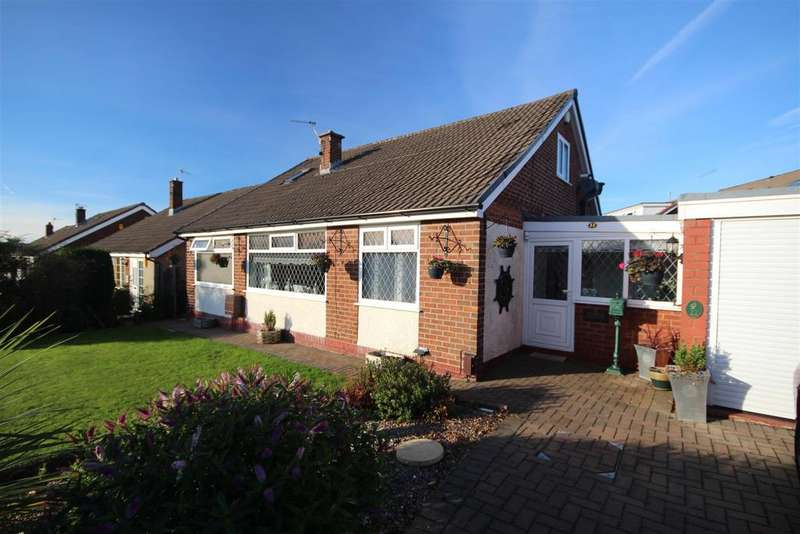 4 Bedrooms Detached Bungalow for sale in 22 Fairfield Drive, Burnley