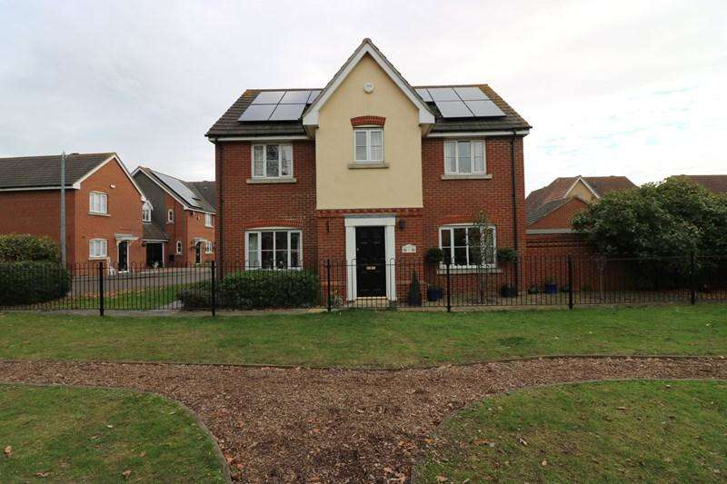 4 Bedrooms Detached House for sale in Victory Lane, Rochford