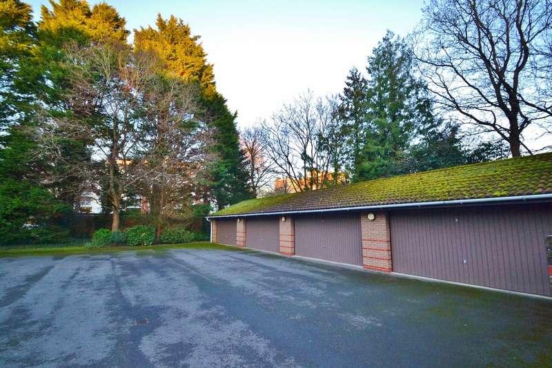 3 Bedrooms Flat for sale in Branksome Park
