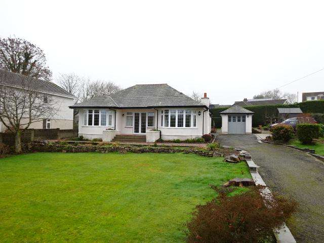 3 Bedrooms Detached Bungalow for sale in LON GANOL, LLANDEGFAN LL59