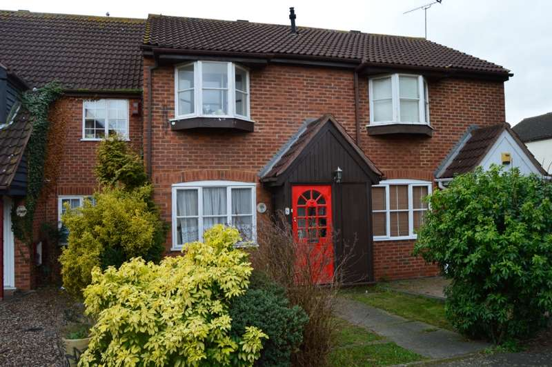 2 Bedrooms Terraced House for sale in Parish Close, Hornchurch