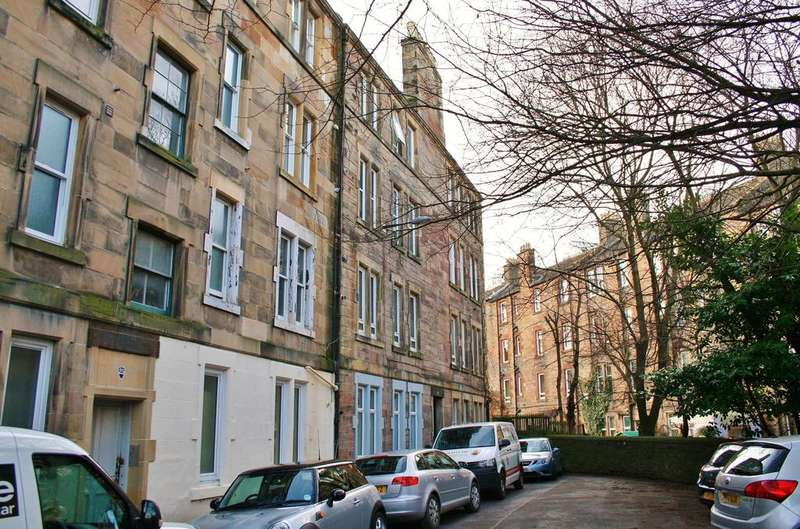 1 Bedroom Flat for sale in 27/10 Waverley Park, Abbeyhill, Edinburgh EH8 8ES