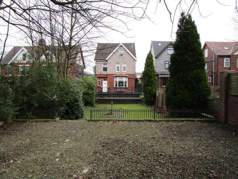 5 Bedrooms Detached House for sale in Oldham Road, Rochdale
