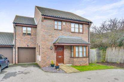4 Bedrooms Detached House for sale in Perivale, Monkston Park, Milton Keynes, Buckinghamshire