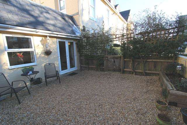 2 Bedrooms Ground Flat for sale in 4 Cambridge Road, Bournemouth BH2