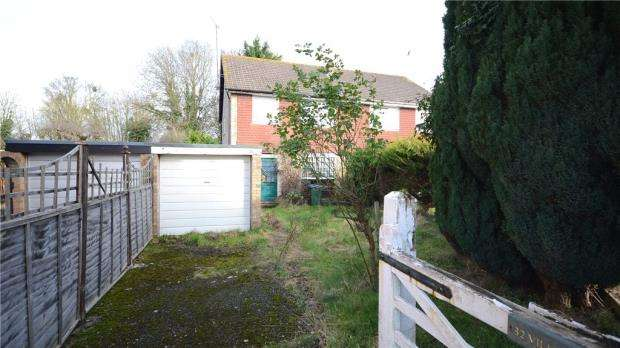3 Bedrooms Semi Detached House for sale in Bryants Acre, Wendover, Aylesbury