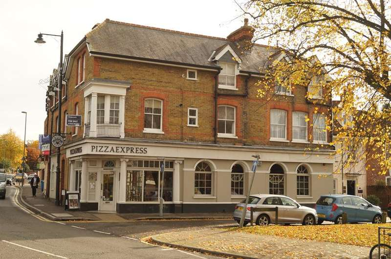 1 Bedroom Apartment Flat for sale in Monument Hill, Weybridge KT13