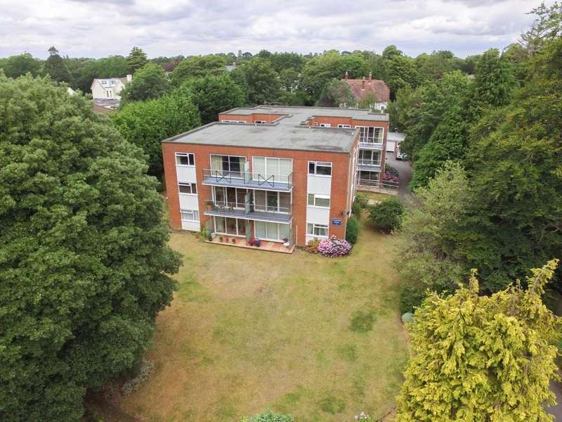 2 Bedrooms Flat for sale in Cavendish Road, Dean Park