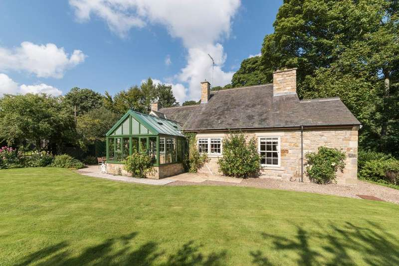 4 Bedrooms Detached House for sale in Inkles Haugh, Stable Green, Mitford, Morpeth, Northumberland NE61