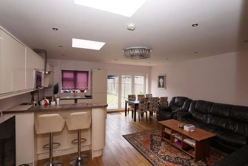 5 Bedrooms House for sale in Melford Avenue, Barking IG11