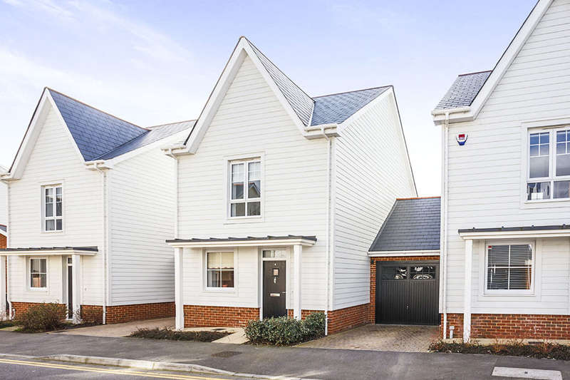 3 Bedrooms Detached House for sale in Berry Drive, Holborough Lakes, Snodland, ME6