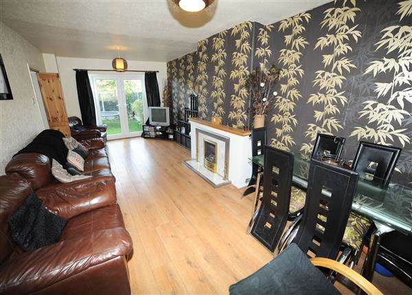 4 Bedrooms Semi Detached House for sale in 6 Heron Drive, Irlam M44 6LF