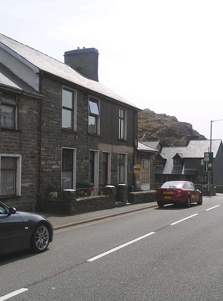 3 Bedrooms End Of Terrace House for sale in Manod Road, Blaenau Ffestiniog LL41