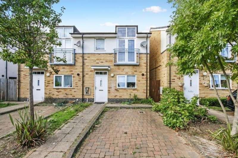 3 Bedrooms Semi Detached House for sale in Founders Close, Northolt UB5