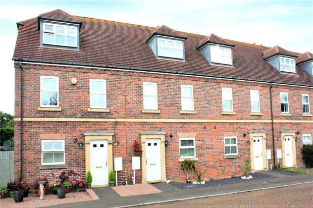 4 Bedrooms Terraced House for sale in Highdown Close, Bramley Green, Angmering, West Sussex, BN16