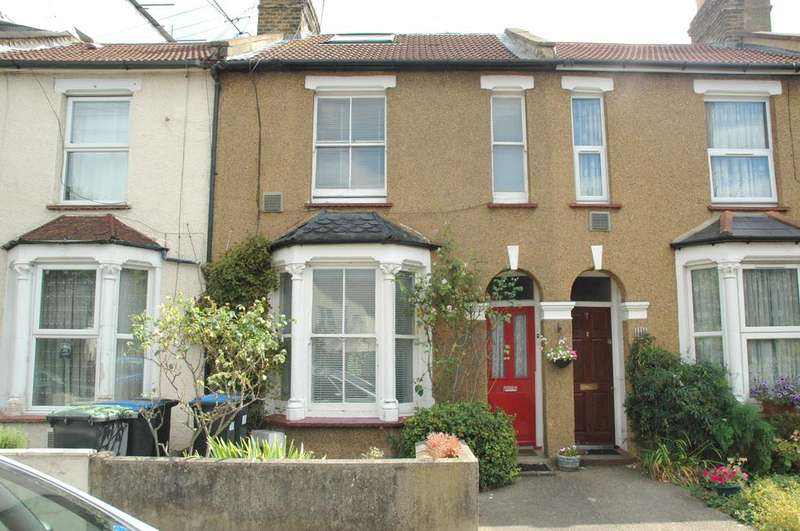 3 Bedrooms Terraced House for sale in Edinburgh Road, Edmonton, London N18