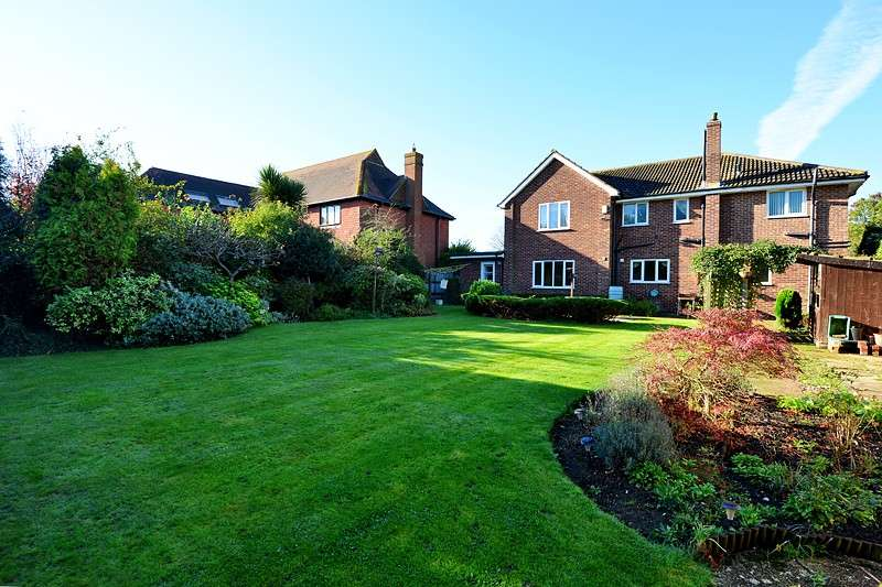 4 Bedrooms Detached House for sale in Bodenham Road, Folkestone, CT20