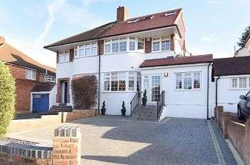 4 Bedrooms Semi Detached House for sale in Brownspring Drive, New Eltham / Chislehurst Borders, London, SE9 3JZ