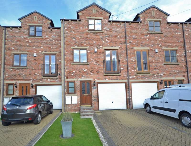 3 Bedrooms Town House for sale in Beaumont Street, Stanley, Wakefield