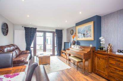 3 Bedrooms Terraced House for sale in Blenheim Road, Northolt, Middlesex, England