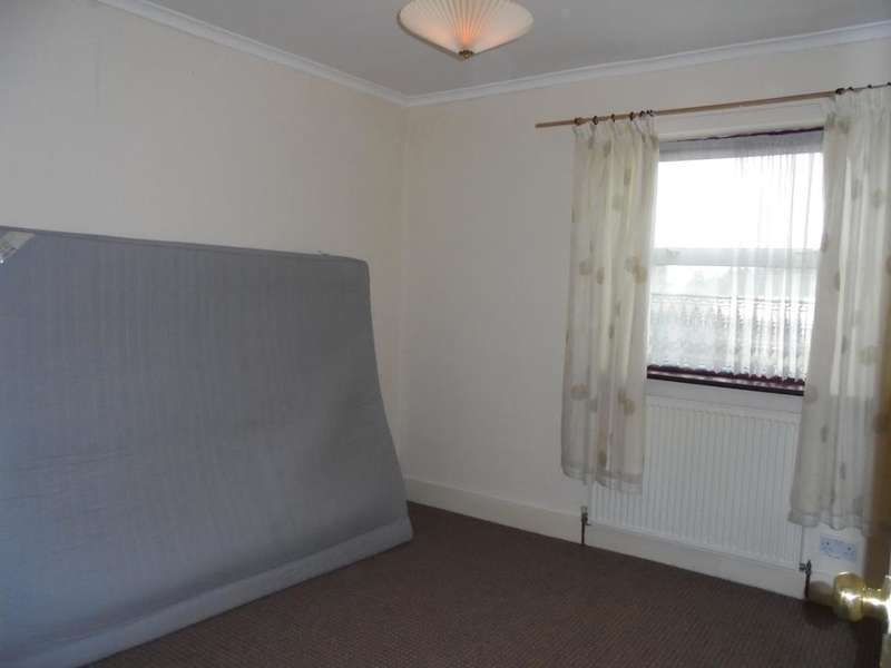 2 Bedrooms Terraced House for rent in Mills Lane Grayes