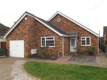 3 Bedrooms Bungalow for sale in Cressing, Braintree, Essex